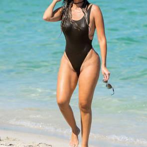08-Liziane-Gutierrez-Sexy-Bikini