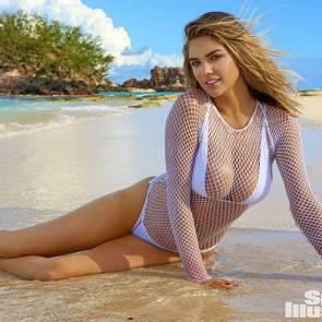 Ashton kutcher wife bikini