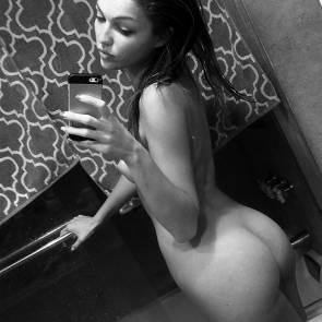 09-Lili-Simmons-Leaked-Nude