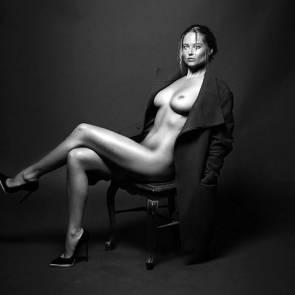 10-Genevieve-Morton-Nude