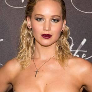 11-Jennifer-Lawrence-Sexy-Paris