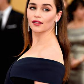 12-Emilia-Clarke-Platinum-Blonde-Dark-Hair-Sexy