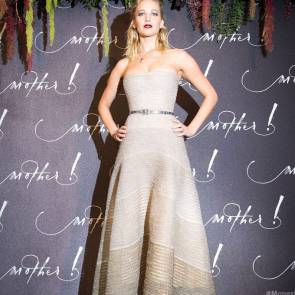 12-Jennifer-Lawrence-Sexy-Paris