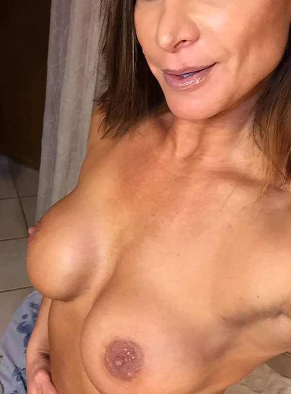 lisa marie varon victoria wwe leaked nudes and blowjob