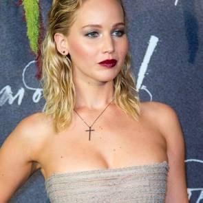 13-Jennifer-Lawrence-Sexy-Paris