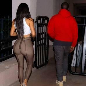 14-Kim-Kardashian-Braless