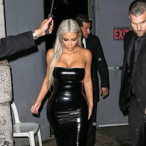 15-Kim-Kardashian-Sexy