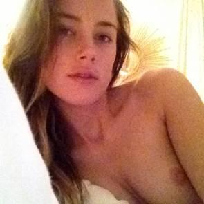 16-Amber-Heard-Leaked-Nude