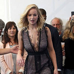 16-Jennifer-Lawrence-Sexy-Venice