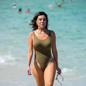 16-Liziane-Gutierrez-Sexy-Bikini
