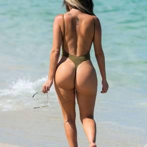 17-Liziane-Gutierrez-Sexy-Bikini