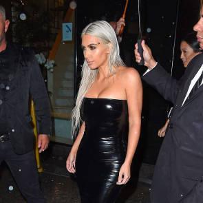 18-Kim-Kardashian-Sexy