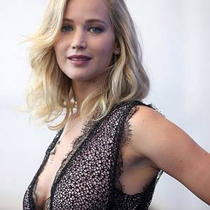 20-Jennifer-Lawrence-Sexy-Venice