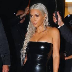 21-Kim-Kardashian-Sexy