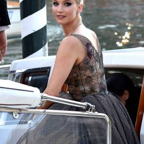 27-Jennifer-Lawrence-Sexy-Venice