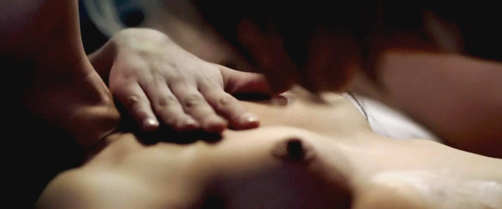 Ana de Armas nude tits