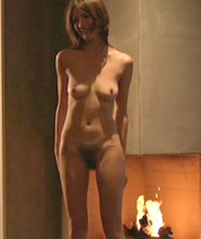 Emily mortimer full frontal nudity alone!