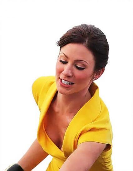 Lynn Collins cleavage
