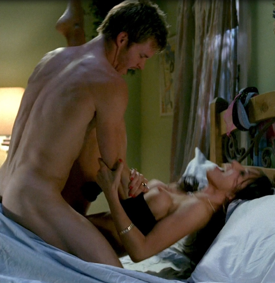 Lynn collins topless. La datation.