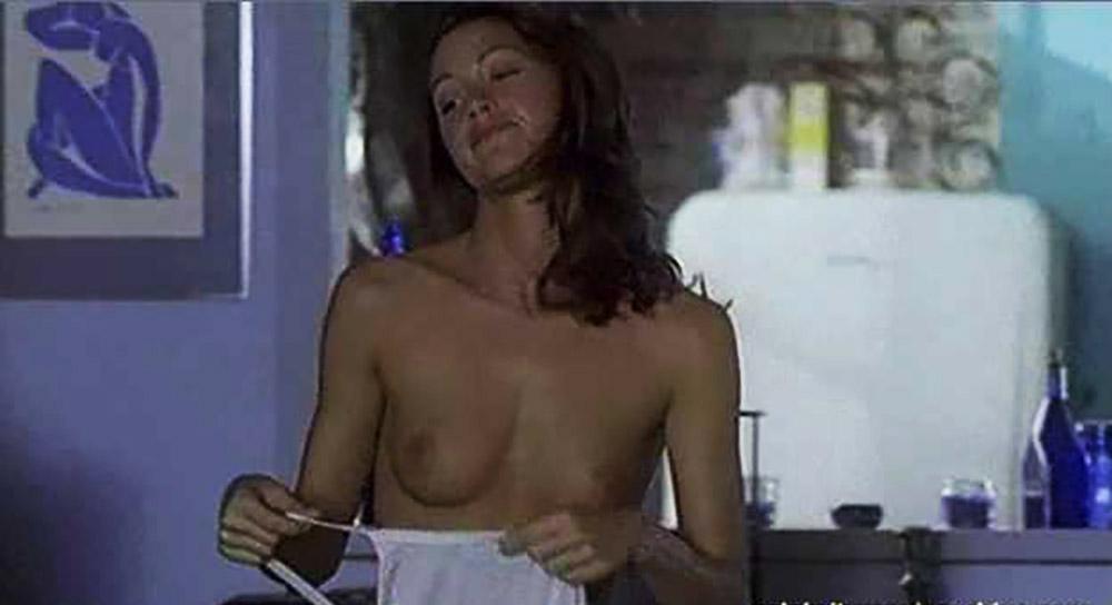 Shannon Elizabeth Nude Pics & Topless Sex Scenes Compilation 71