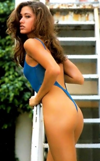 Shannon Elizabeth Nude Pics & Topless Sex Scenes Compilation 47