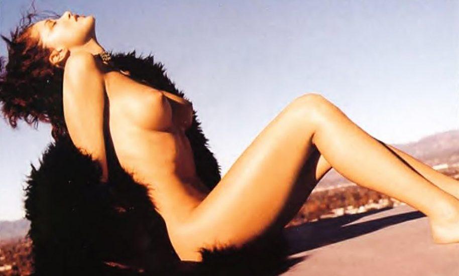 Shannon Elizabeth Nude Pics & Topless Sex Scenes Compilation 19