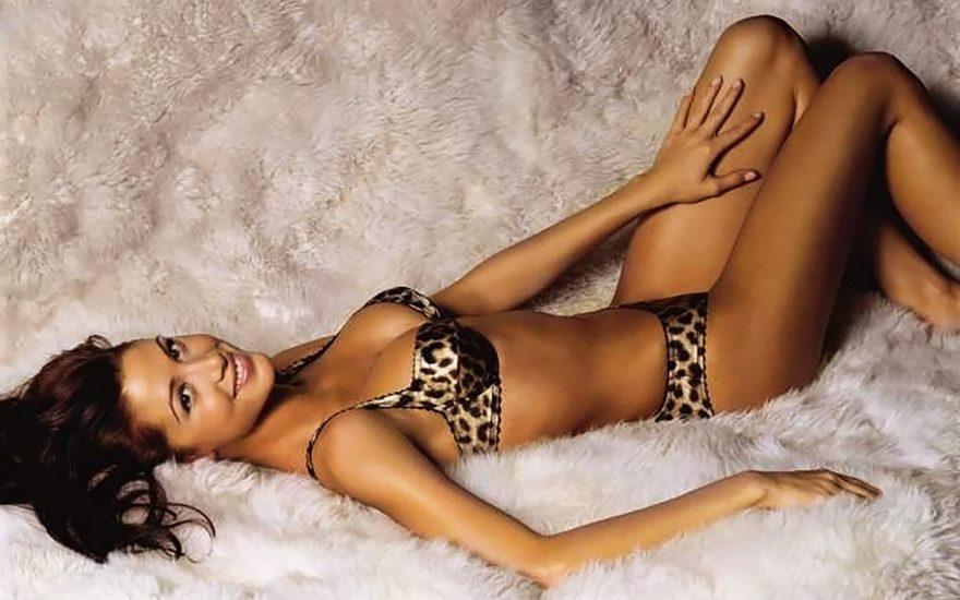 Shannon Elizabeth Nude Pics & Topless Sex Scenes Compilation 54