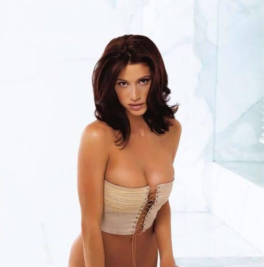 Shannon Elizabeth Nude Pics & Topless Sex Scenes Compilation 27
