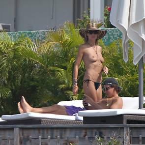 01-Heidi-Klum-Topless