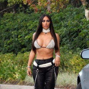 01-Kim-Kardashian-Sexy-Top-Rhinestones