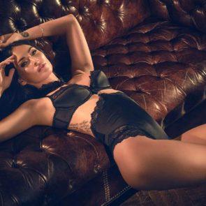 01-Megan-Fox-Sexy-Lingerie