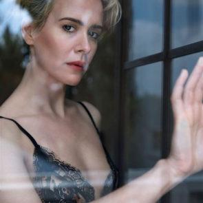 01-Sarah-Paulson-Topless-Tits