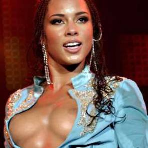 02-Alicia-Keys-See-Through-Nude-Pregnant