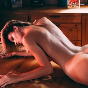 03-Angela-Olszewska-Nude