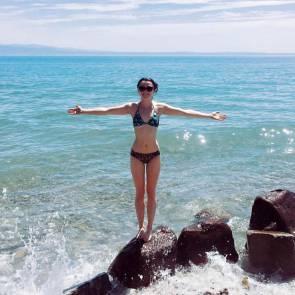 Maisie Williams bikini on the beach