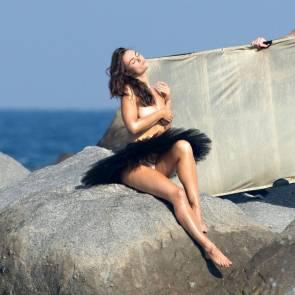 03-Myla-Dalbesio-Topless-Tits