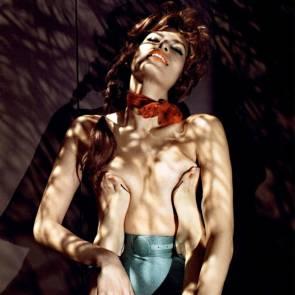04-Eva-Mendes-Nude