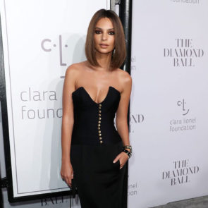05-Emily-Ratajkowski-Deep-Cleavage-Rihanna-Diamond-Ball