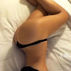 06-Alexis-Ren-Sexy-Nude