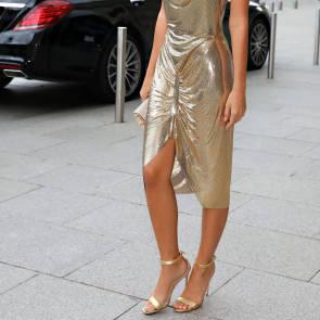 06-Emily-Ratajkowski-Sexy-Paris-Fashion-Week
