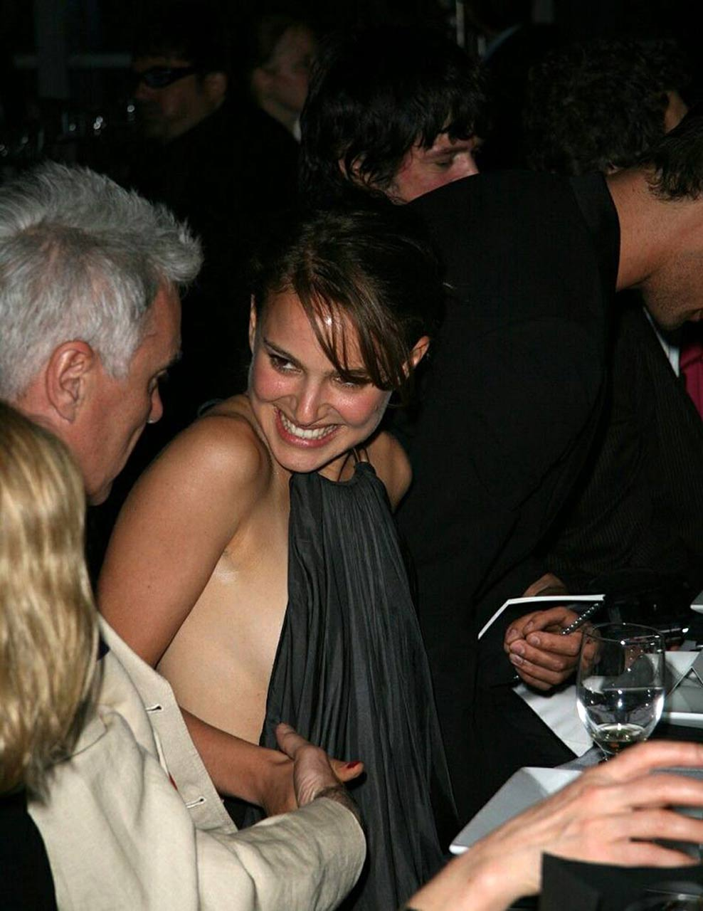 Natalie portman side boob