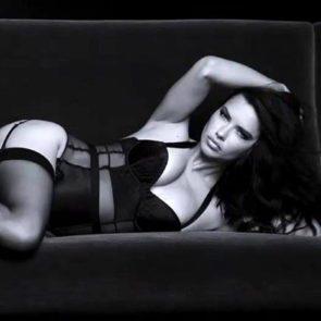 09-Adriana-Lima-Sexy-Lingerie