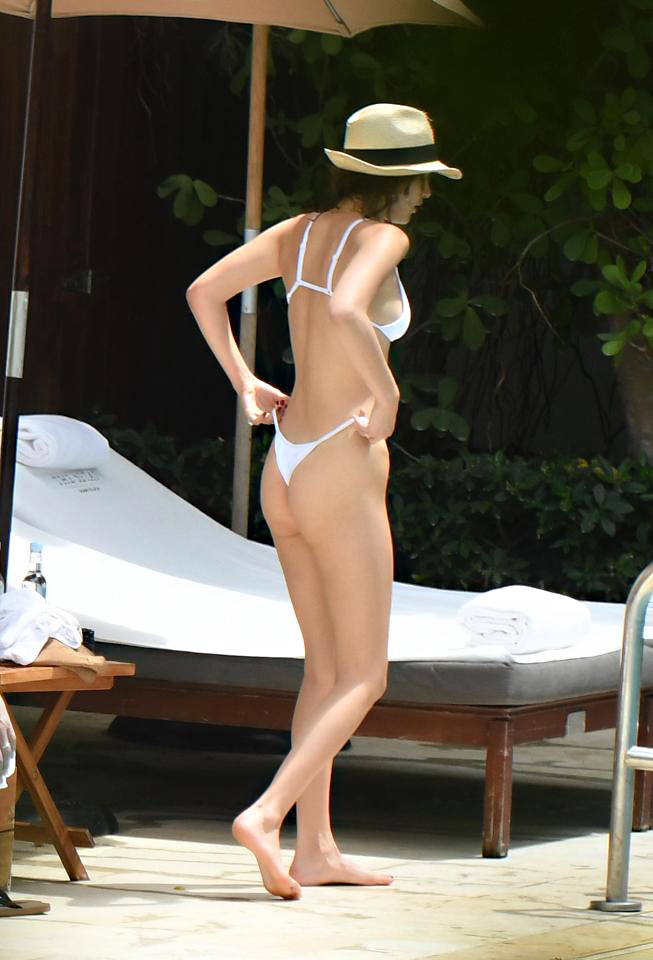 Bella Hadid Showed Flat Ass In Thong—Birthday Present For