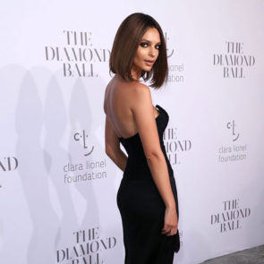 09-Emily-Ratajkowski-Deep-Cleavage-Rihanna-Diamond-Ball