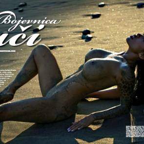 09-Serliana-Rosida-Naked