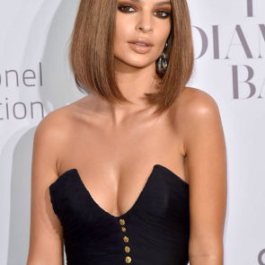 10-Emily-Ratajkowski-Deep-Cleavage-Rihanna-Diamond-Ball