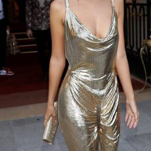 10-Emily-Ratajkowski-Sexy-Paris-Fashion-Week