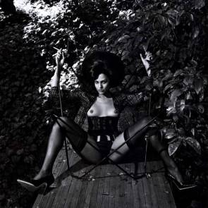 10-Eva-Mendes-Nude