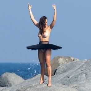 10-Myla-Dalbesio-Topless-Tits