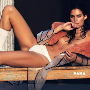 10-Sara-Sampaio-Sexy-Topless